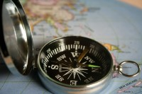 magnetic-compass-390912_1920